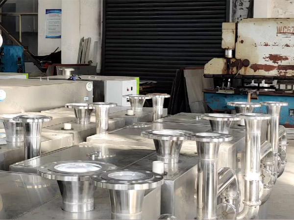 工程大型地埋式全能型成套隔油提升设备怎么选